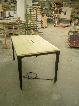 y3 table paris01